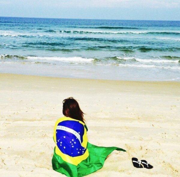 CalorDoBrasil a fêté ses 26 ans le 13/04/2017, pense à lui offrir un cadeau.Mercredi 12 avril 2017 00:00