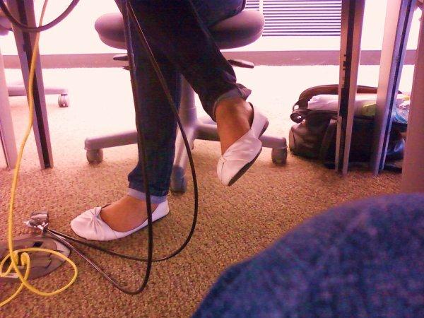 ballerine   blanche avec  jeans
