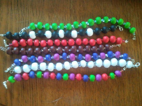 Une commande composé de bracelet de toutes les couleures