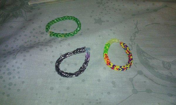 Petits bracelets fait mains