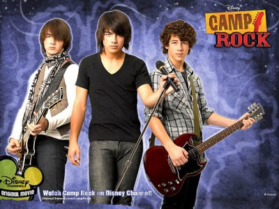 (l)Resumer de Camp Rock 1(l)et(l)Camp Rock 2(l)