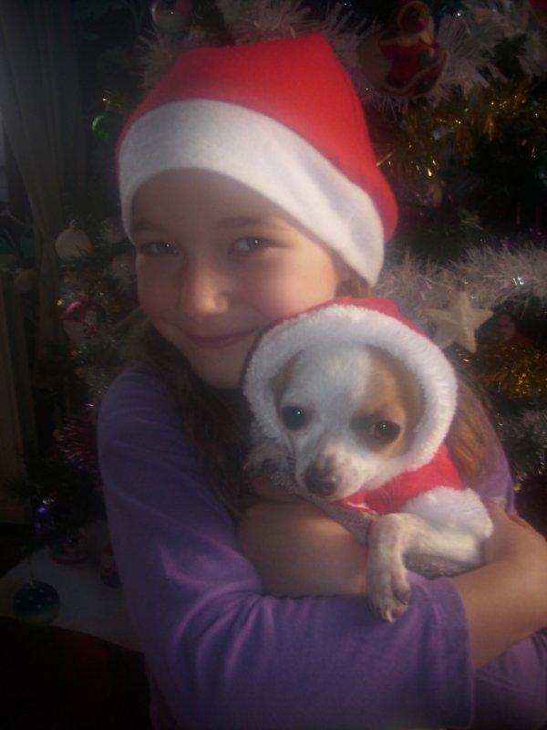 ma fille bryhana et notre chihuahua hugo