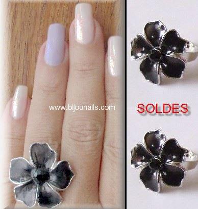 SOLDES , bague fantaisie réglable www.bijounails.com