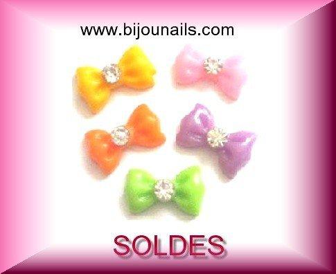 Décorations Nail Art , Lot 5 noeuds 3D , SOLDES www.bijounails.com