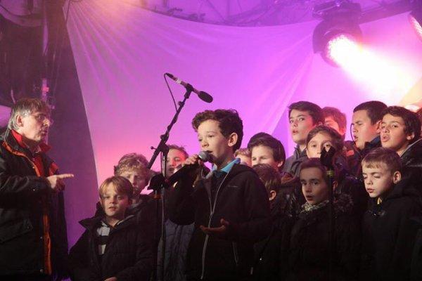Les Petits Chanteurs d'Asnières - Inauguration du marché de Noel à Asnières