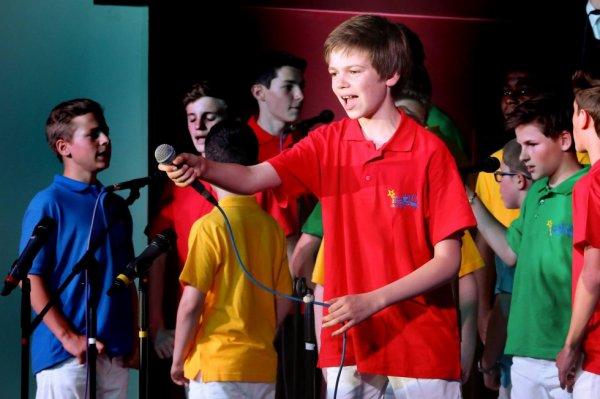 Les Petits Chanteurs d'Asnières - Concert à Souvigny-en-Sologne en juin 2015