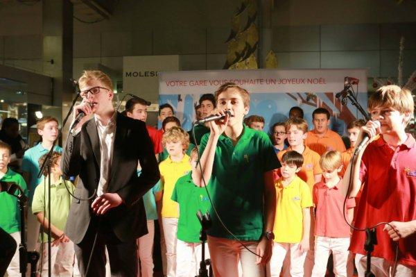 Les Petits Chanteurs d'Asnières & les POPPYS - Les concerts de la gare de Paris-Montparnasse