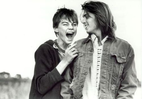 """""""Si tu aime deux personnes, choisit la deuxième car si tu étais vraiment amoureuse de la première tu ne serais jamais tombée amoureuse de la deuxième."""" Johnny Depp"""