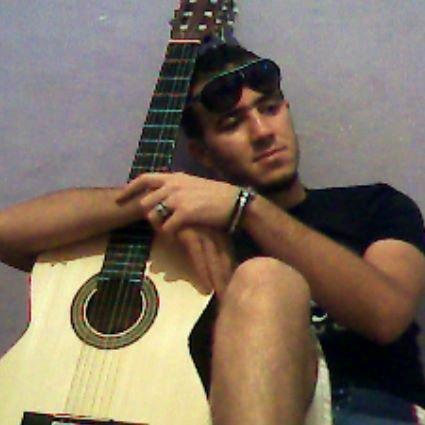 c moi avc ma viie w 7bibté *ma guitar* nabghik a rabak 0_o