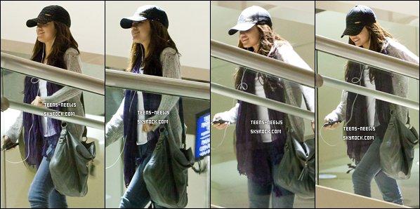 .   01/01/11 Selena et Justin ou Jelena, sont aperçu en amoureux (?) à St Lucie au Caraïbes. .