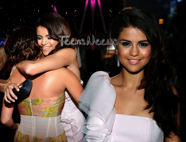5 janvier 2011 - Selena au People's Choice Awards.