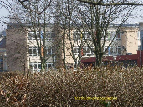 Bâtiment près du gymnasium à Sarstedt (Allemagne)