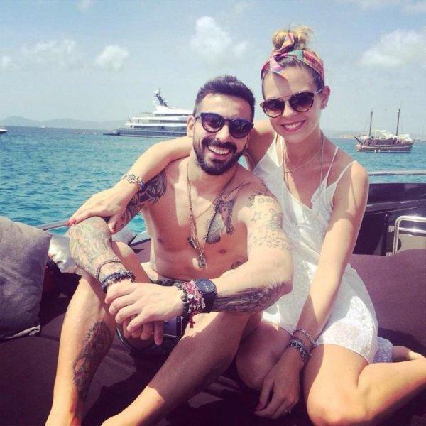 Ezequiel Lavezzi et sa femme à Ibiza