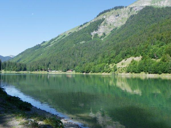 Lac de Montrion (Haute Savoie )