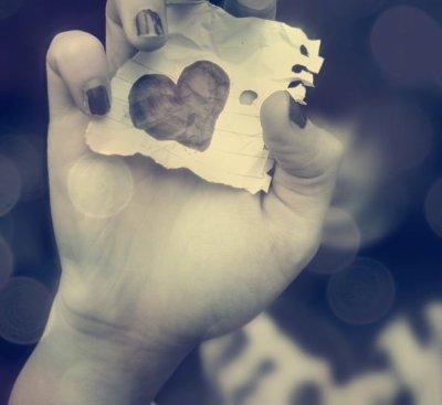 «Chaque personne qu'on s'autorise à aimer, est quelqu'un qu'on prend le risque de perdre.»