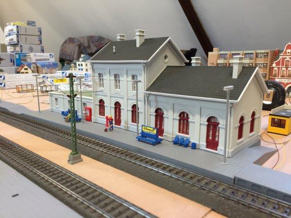 La gare sur son emplacement définitif