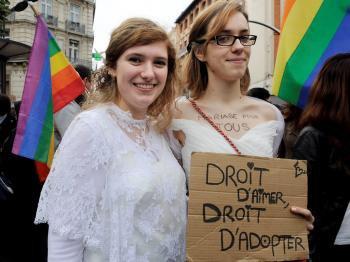Le Conseil constitutionnel valide le mariage pour tous