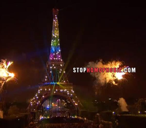 Ce 14 Juillet se termine merveilleusement, avec un feu d'artifice qui honore la France et les couleurs du rainbow flag sur la Tour Eiffel.
