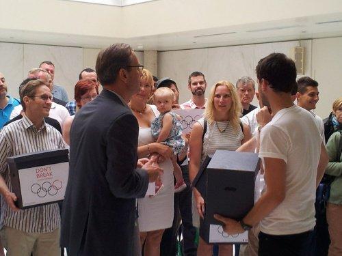 Lausanne : Près de 320'000 signatures pour que le CIO tienne tête au Kremlin