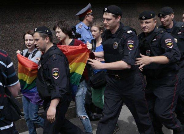 Dimanche 8 septembre, 15h00, Place des Nations à Genève Manifestation nationale de soutien aux personnes lesbiennes, gays, bi et trans de Russie