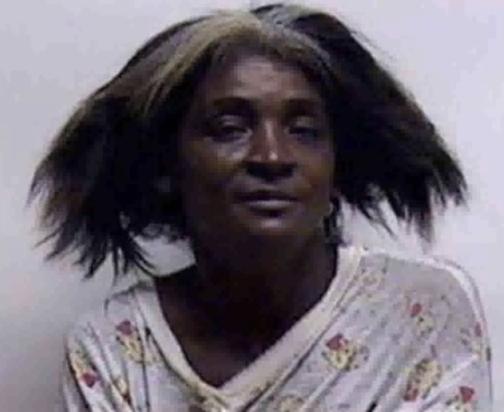 Vidéo : Elle battait son fils pour faire «sortir» son homosexualité hors de son corps