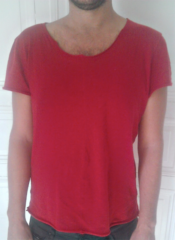 Ceci est un T-shirt de pédé (il paraît)