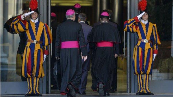 Le Vatican change de ton vis-à-vis des homosexuels