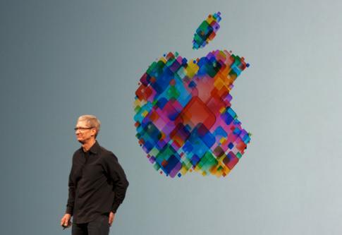 """Tim Cook, PDG d'Apple : """"Je suis fier d'être gay"""""""