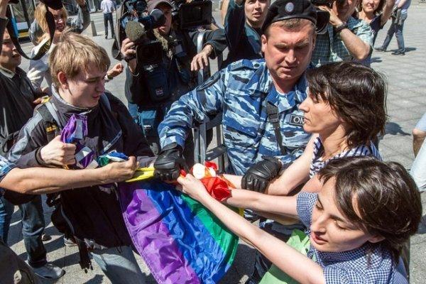 Les violences homophobes encouragées en Russie