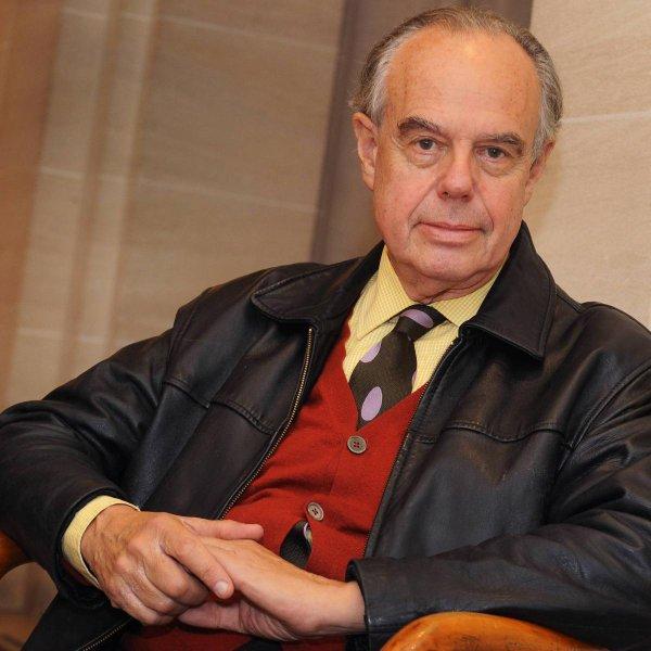 Frédéric Mitterrand dénonce l'homophobie de Cyril Hanouna IL N'APPRÉCIE PAS LES BLAGUES DÉPLACÉES DE L'ANIMATEUR DE TOUCHE PAS À MON POSTE