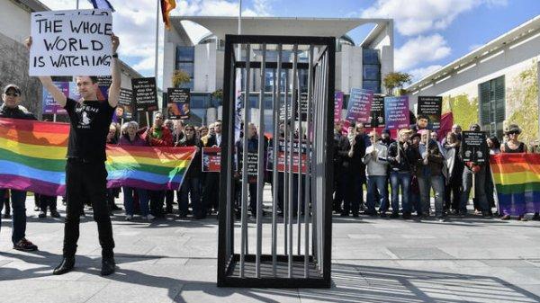 Persécutions tchétchènes : 18 militants LGBT russes arrêtés