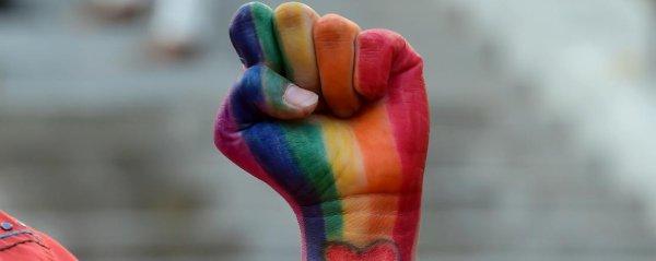 Tchétchénie: les homosexuels traqués, torturés et assassinés par les autorités