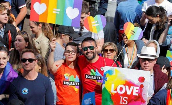 Mariage pour tous : Les Australiens manifestent solidaires, avant un vote postal sur sa légalisation
