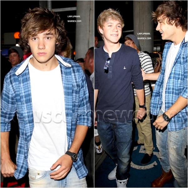 Le 26 Juin les One Direction étaient arrivé à l'aéroport d'Heathrow , Londres.