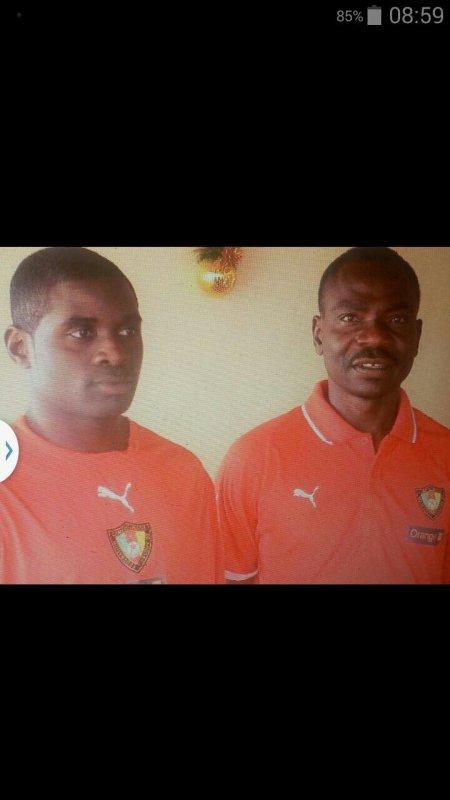 Après  entraînement  avant match de selections avec l'équipe  national du pays. Le sélectionneur  et moi. La fatigue  ce matin la .