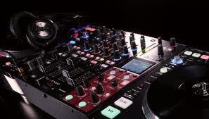 platines vinyles et table de mixage