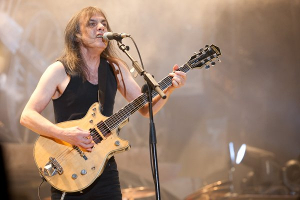 AC/DC un avenir qui serait confirmé demain...