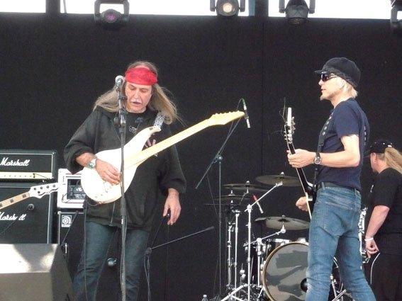2 anciens Scorpions en tournée