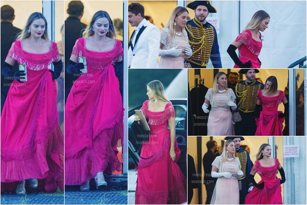 - 16/06/17 : Margot Robbie a été vue partant d'un anniversaire privé et déguisé Londres (UK). Elle était avec ses amis et son mari. Le déguisement est plutôt bien et lui va parfaitement, c'est marrant de la voir comme ça.. -