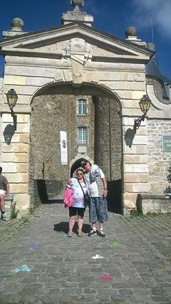 bonjour les amies et amis cette photo a ètait pris devant le châteaux a boulogne-sur mer