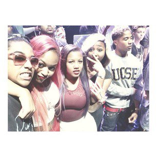 Mb With OMG Girlz !!