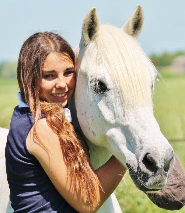 Mon poney,mon bébé , moi bref ma vie !!!!! <3