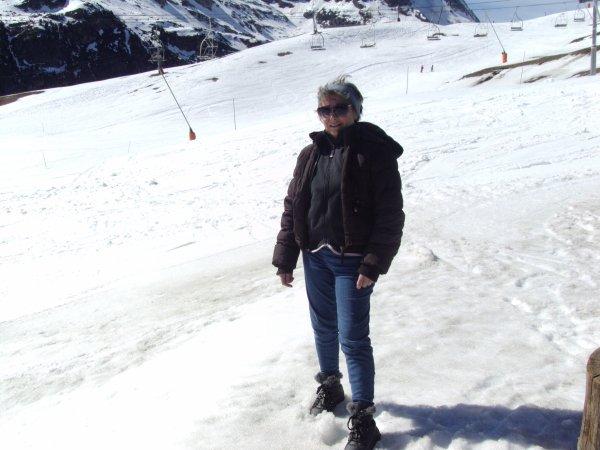 Des bisous de la montagne, quelques photos de la station d' AUSSOIS  (SAVOIE),  ce n'est pas moi qui skie !!!    , et un autre article sur Turin et Suze (ITALIE)  sortie en car d'1 journée, avec une guide,   très instructif,  kissous à toussssssssssss