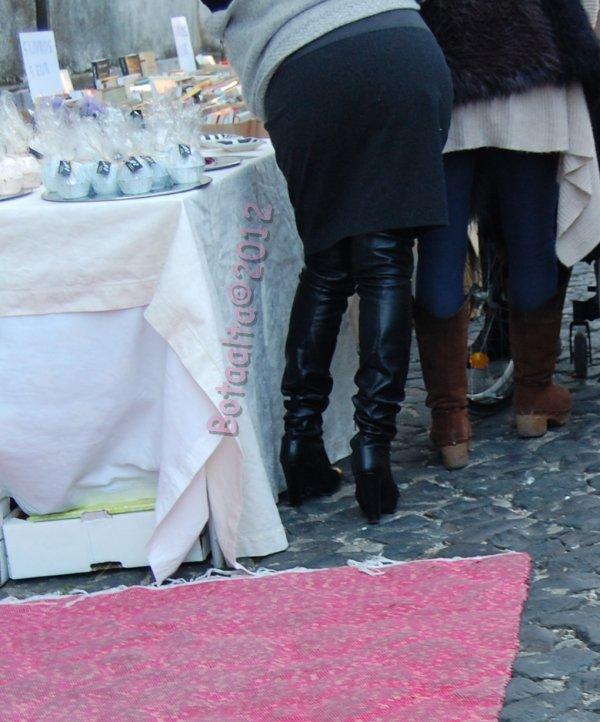 Femmes en cuissardes à Lisbonne