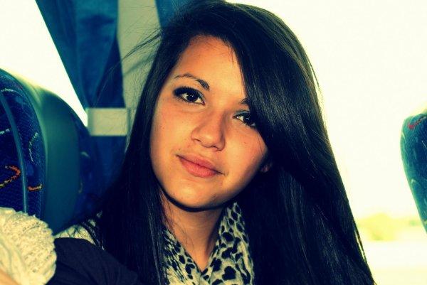 Ma vie, ma chérie, mon second souffle, celle qui me comprend vraiment,Yasmine.