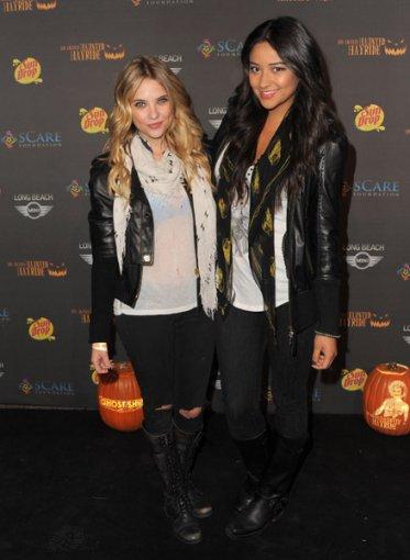 Ashley Benson était le 9 octobre 2011 à la 3rd Los Angeles Haunted Hayride. TOP ou FLOP???