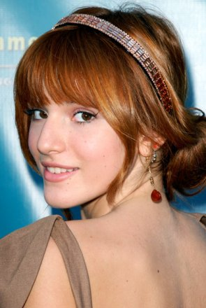 "16/10/11 au soir: Bella Thorne à la première de ""Teach Your Children Well"". Top ou Flop?"