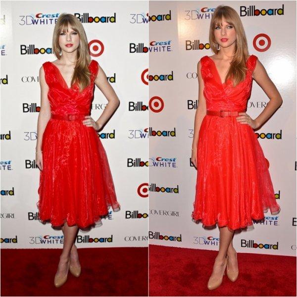 2/12/11: Taylor Swift au Billboard Women in Music Awardsà New York! Elle aime le rouge notre Taylor!!! Ton avis?