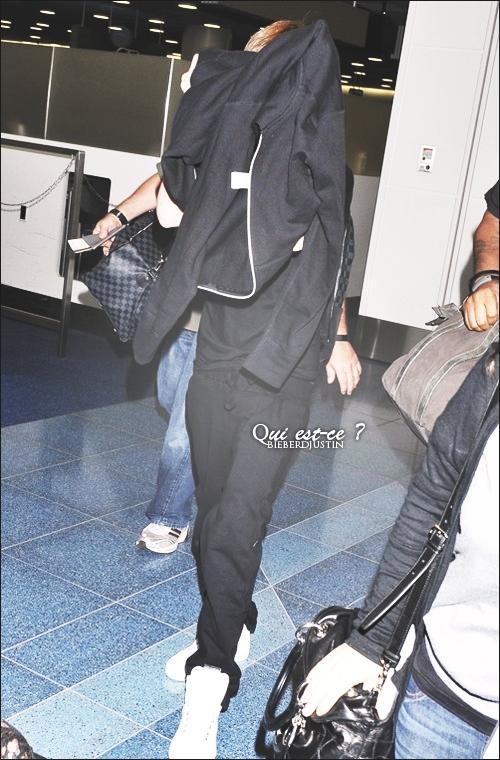 NEW CANDIS - 19.05 - Arrive à l'aéroport de Los Angeles (LAX) + autres news de Justin