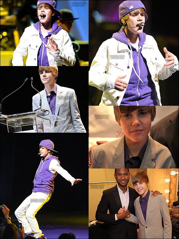 Justin a participé à l'évènement New Look Foundation Holds First Annual World Leadership Awards hier soir, il y avait également Usher. Il a aussi fait une performance sur scène durant la soirée, 6/06